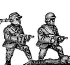 Chinese infantry with submachinegun